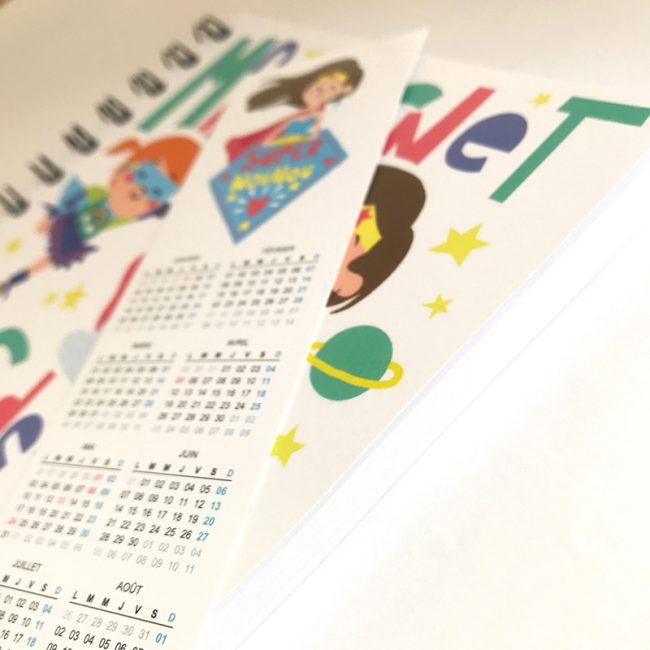 Carnet de liaison parents nounou assmat avec son marque page calendrier